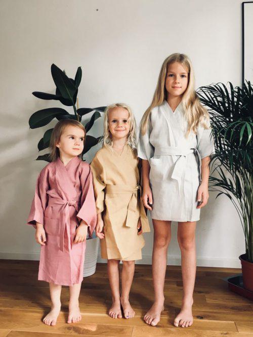 Kimono lniane dziecięce marki ŁYKO. Kimona z lnu dla dziecka w każdym wieku. Rozmiar One Size.